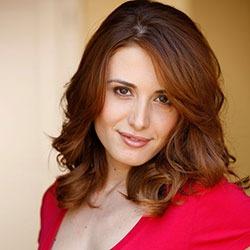 Alma Saraci English Actress