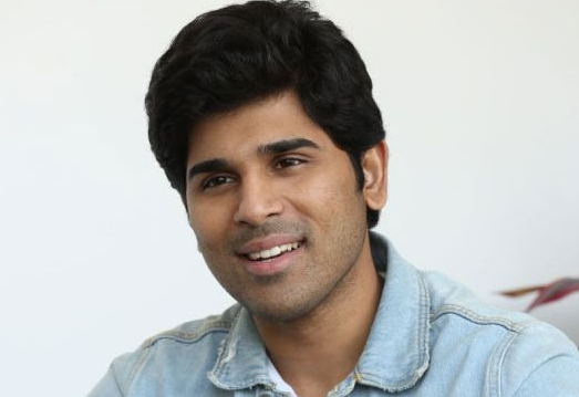Allu Sirish Sells Candles And Paper Cups For A Public Cause