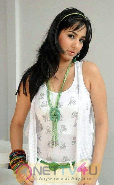 Actress Sakshi  Latest Hot And Sexy Pics