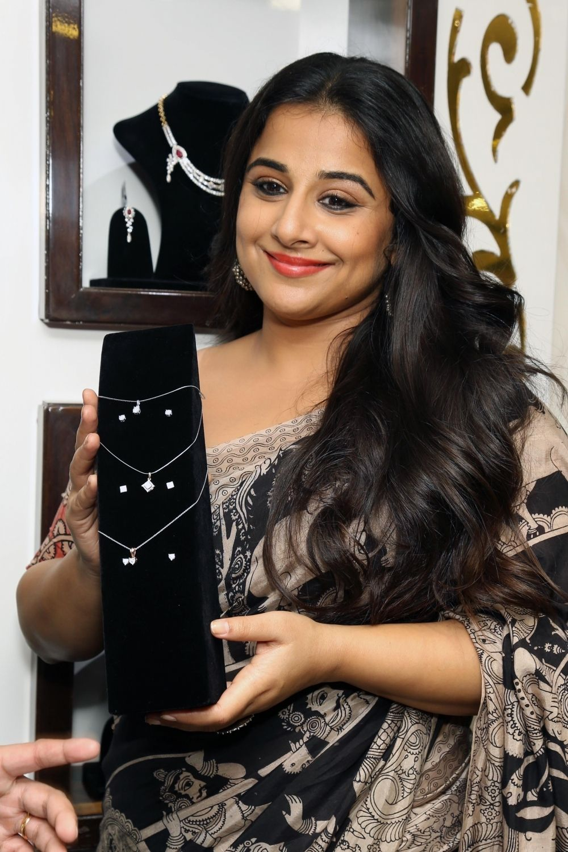 Vidya Balan HD Images  Hindi Gallery