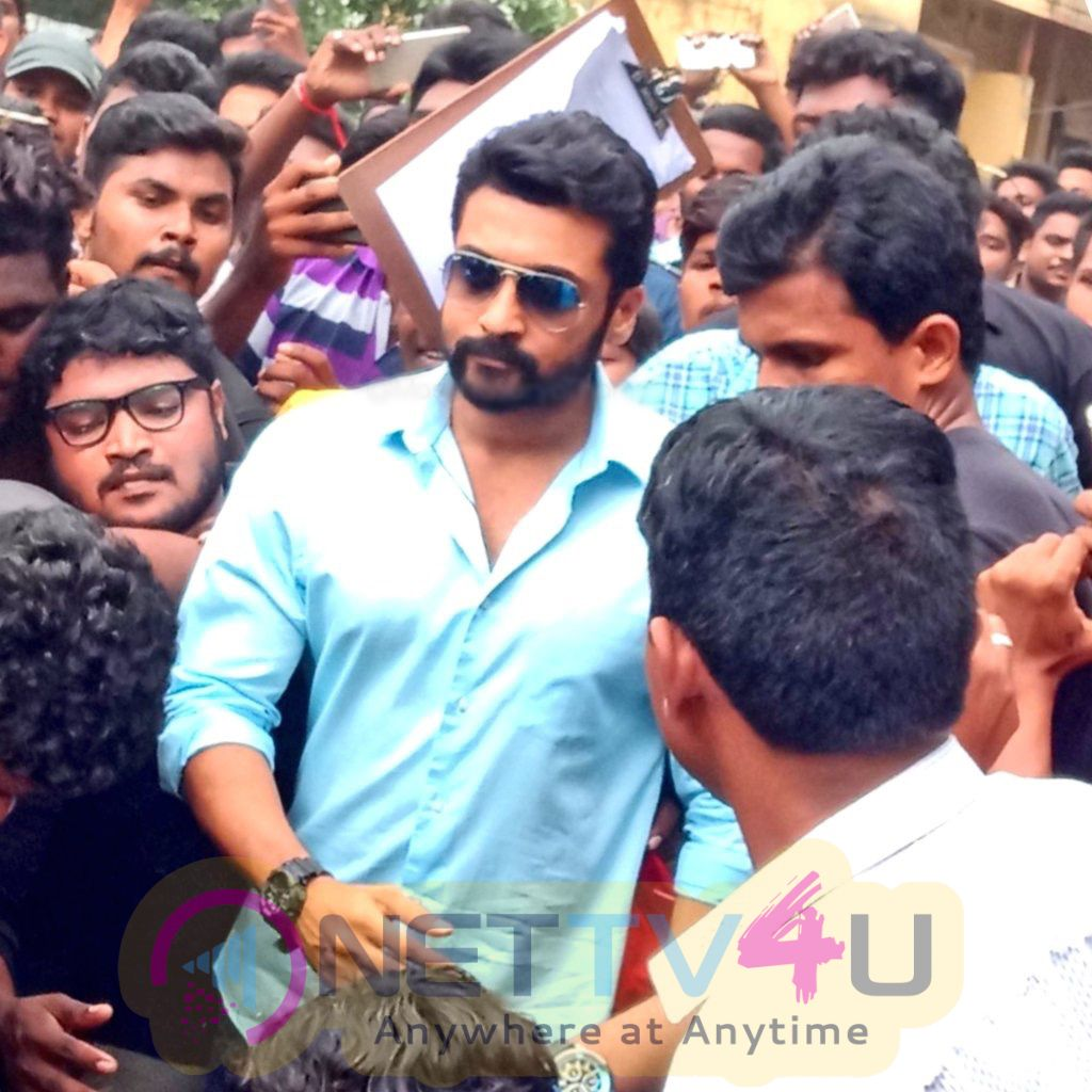 Actor Suriya Mobbed With 5000 Fans At NGK Shooting Spot Stills