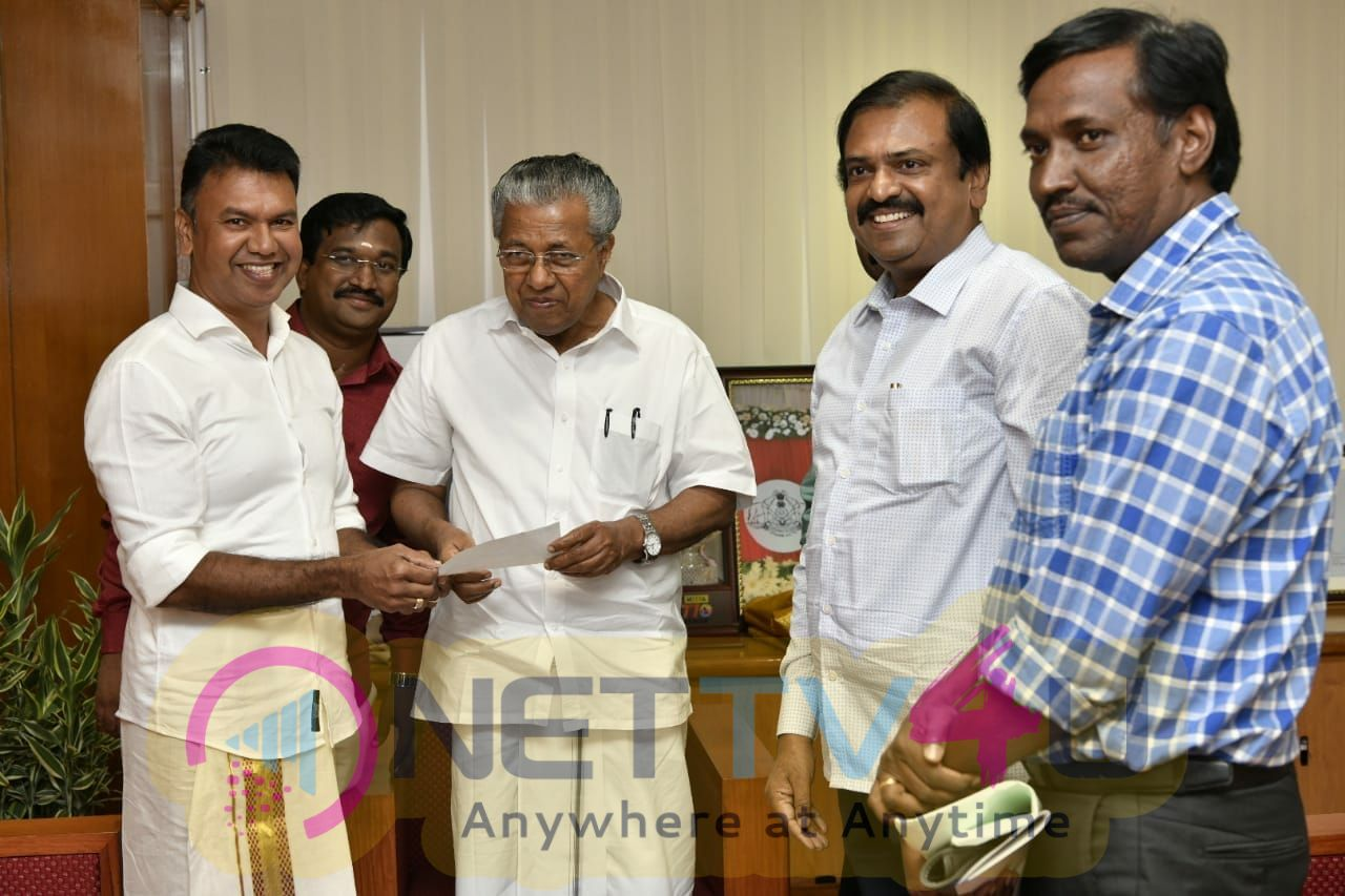 Producer SN Jayakumar Donates 10 Lakhs To Kerala Flood Pics