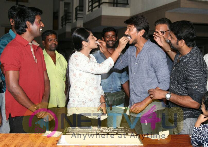 Actor Udhayanidhi Stalin Celebrated His Birthday At The Sets Lyca Productions Gaurav Narayanan Movie Shoot