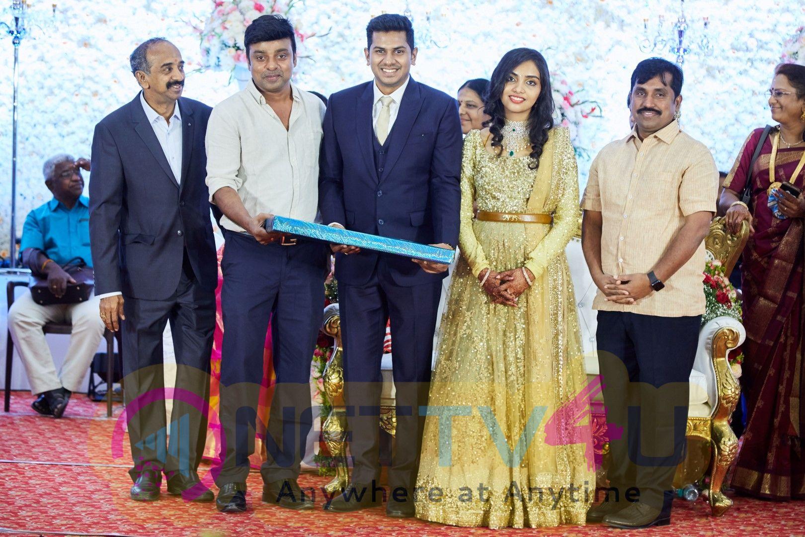 Raj TV Family Chinna Nachiappan - Dr.Rashmi Wedding Reception Photos Tamil Gallery