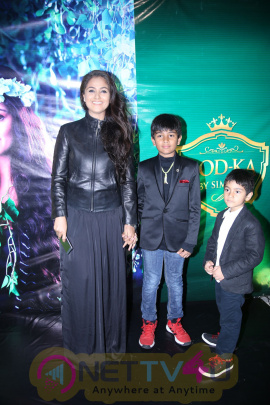 Actor Simran's Godka Shop Launch Photos Tamil Gallery
