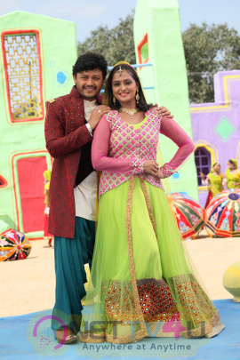 Actress Ramya Nambeesen Style King Kannada Film Latest Stills Kannada Gallery