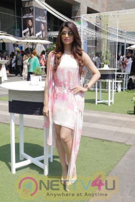 Akanksha Puri Sizzles At Lakme Fashion Week Images Hindi Gallery