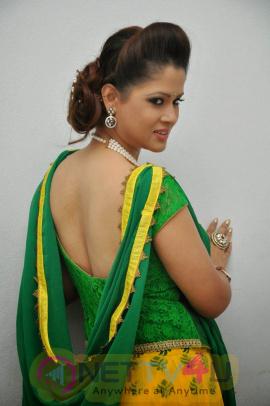 telugu anchor shilpa chakravarthy images