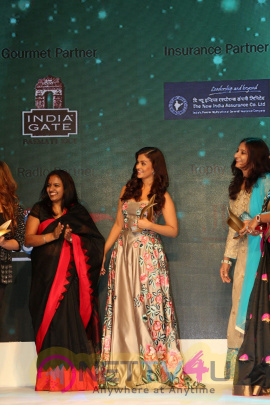 Aishwarya At 7th Outlook Business Outstanding Women Awards Stills Hindi Gallery