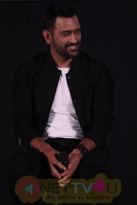 M S Dhoni Movie Press Meet Photos Tamil Gallery