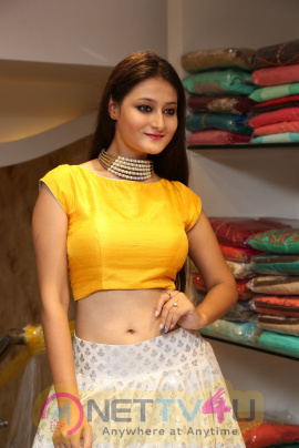 Nilofer Latest Exclusive Photo Stills Telugu Gallery