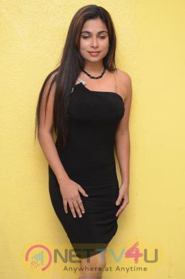 Actress Vrushali Chavan Hot & Sexy Photos   Hindi Gallery
