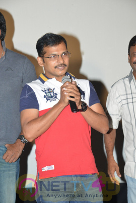 Director Actor Kasi Viswanath Felicitation Photos  Telugu Gallery