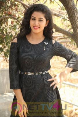 Actress Pavani  Latest Stunning  Photos
