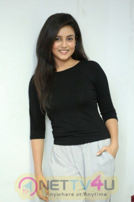 Mishti Chakraborty Latest Gorgeous Pics Telugu Gallery