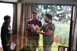 Naragasooran Movie Working Stills