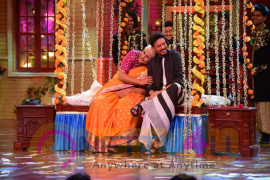 Irrfan Khan And Parvathy Promote 'Qarib Qarib Singlle' On The Drama Company Photos