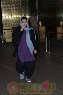 Actress Vidya Balan Spotted At Airport Good Looking Pics Hindi Gallery