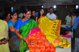 Actress Monica Srivastava Inaugurates Pochampally IKAT Art Mela @ Vizag Telugu Gallery