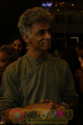 Photo Of Artist Kunal Naik Art Show Art At Palladium Hindi Gallery