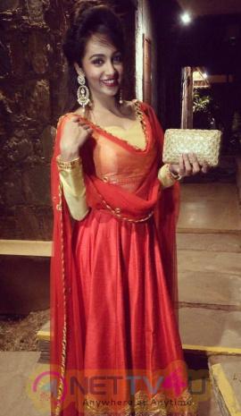 Telugu Actress Tejaswi Madivada New Hot Photos Telugu Gallery