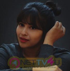 Actress Komali Latest Cute Looking Photos