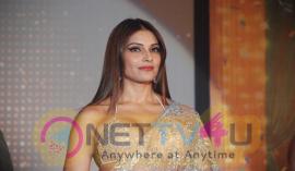 Actress Bipasha Basu Glamorous Pics