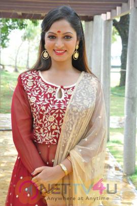 Actress Priyanka Cute Pics
