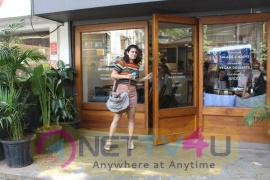 Fatima Sana Shaikh Came To Restaurant. Hindi Gallery