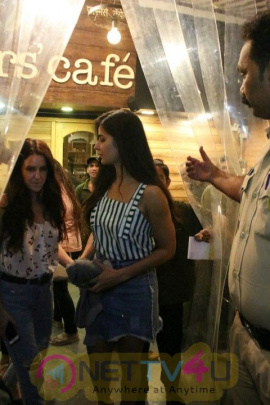 Katrina Kaif & Isabelle Kaif Came To  Farmers Cafe