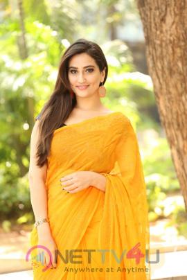 Actress Manjusha  Good Looking Images Telugu Gallery