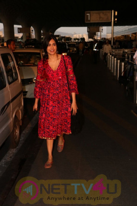 Adah Sharma Spotted At Airport Photos  Hindi Gallery
