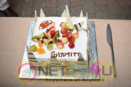 Shamita Shetty Celebrates Her Birthday With Cake Cutting At Her Residence Pics