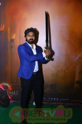 Celebrities At Baahubali VR Zone At IIFA Grand Pics Telugu Gallery