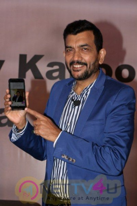 Chef Sanjiv Kapoor Launches Mobile Apps Grand Pics Hindi Gallery