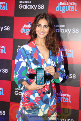 Vaani Kapoor Launches Samsung Galaxy S8 Hindi Gallery