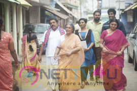 Maniyaar Kudumbam Movie Pics