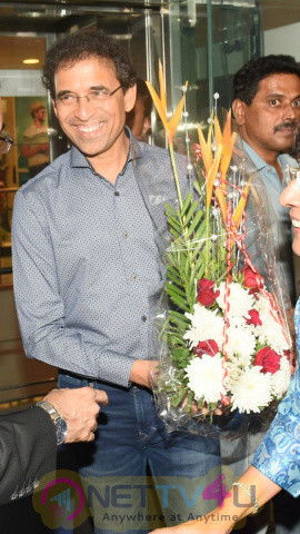 Padma Shri Chef Sanjeev Kapoor's The Yellow Chilli Pens Its 2nd Outlet For Mumbaikars Hindi Gallery