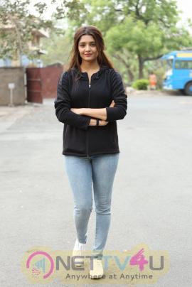 Ritika Singh New Latest Cute Photos