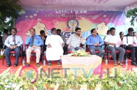 Kaatrin Mozhi Team At Loyola College Pics Tamil Gallery