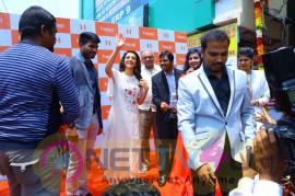 Kajal Agarwal Launches Happi Mobiles At Karimnagar Photos Telugu Gallery