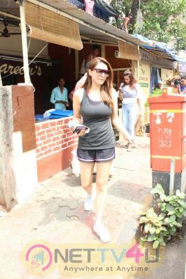 Actress Hansika Motwani Spotted At Bandra Pics