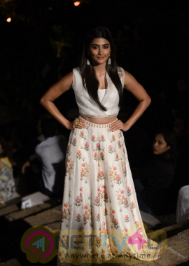 Model And Actress Pooja Hegde New Attractive Images At LFW 2017