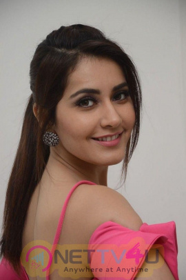 Raashi Khanna Latest Photoshoot