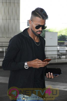 Hardik Pandya Spotted At Airport