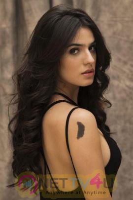 Actress Sidhika Sharma Hot Stills Telugu Gallery