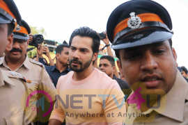 Varun Dhawan During Save The Beach Cleanup Drive Organised On The Occasion Of  World Environment Hindi Gallery