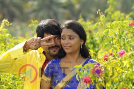 Pei Irukka Illaiyaa  Movie Images