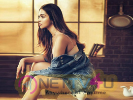 Actress Deepika Padukone Stylish Pics