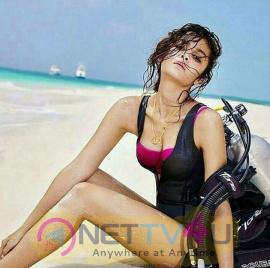 Bollywood Actress Alia Bhatt Hottest Photos In Beach Hindi Gallery